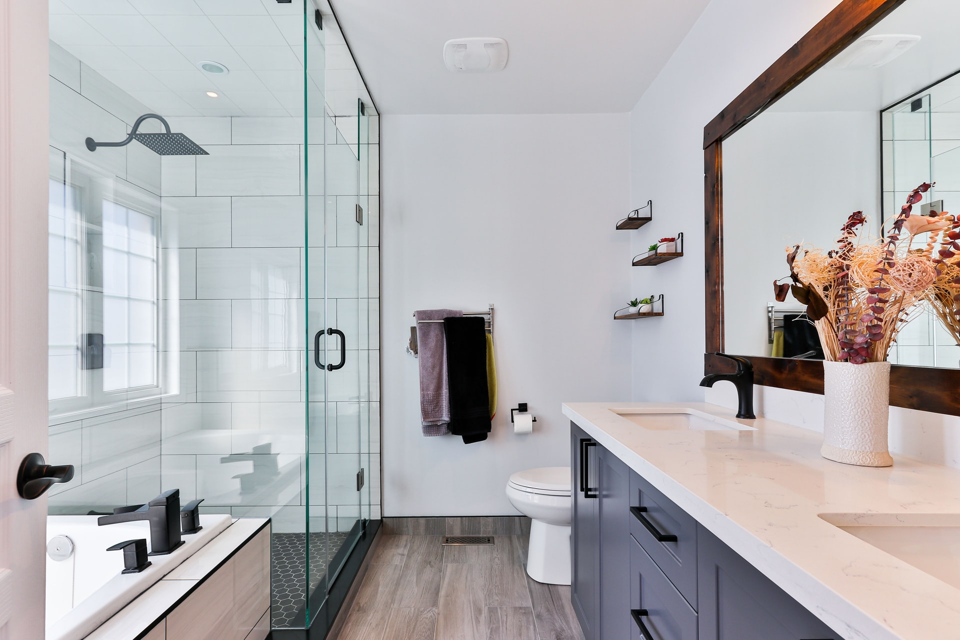 How To Effectively Make A Bathroom Look and Feel Better