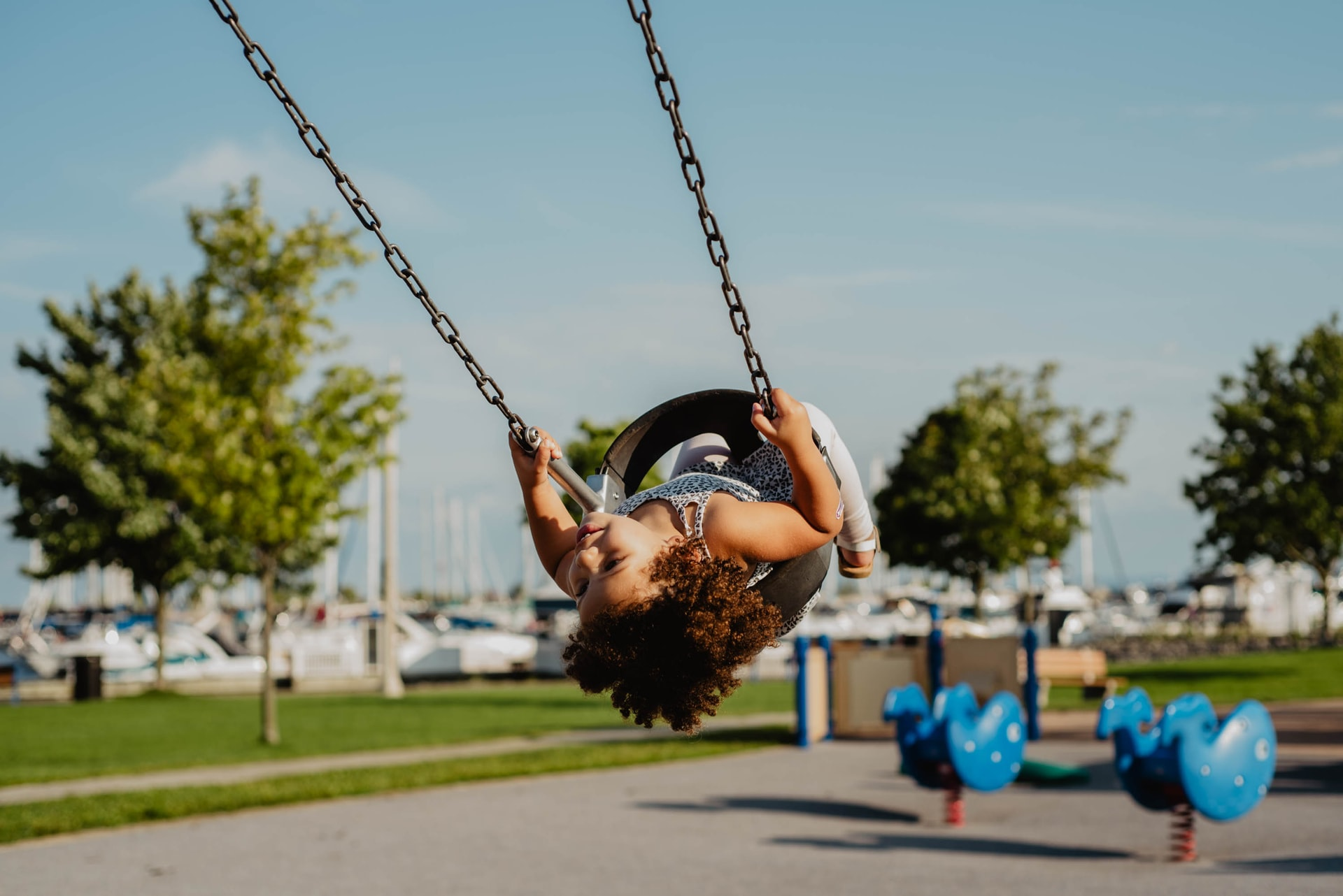 Important Details to Consider When Putting Up a Commercial Playground For Kids